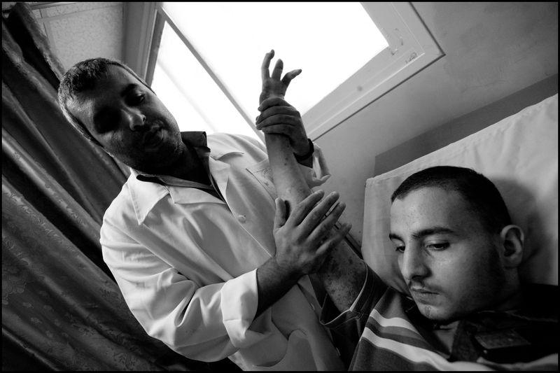 0001_zoriah_photojournalist_war_photographer_gaza_war_rocket_attack_survivor_20080813_9150