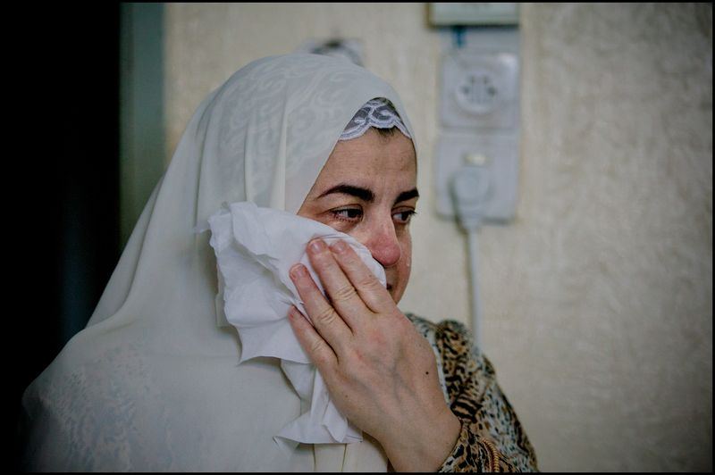 0007_zoriah_photojournalist_war_photographer_gaza_war_rocket_palestine_israel_attack_victim_20080814_0295