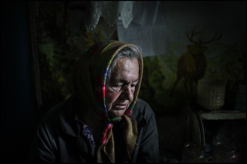 0001_zoriah_photojournalist_war_photographer-chernobyl-settler_20120721_3866