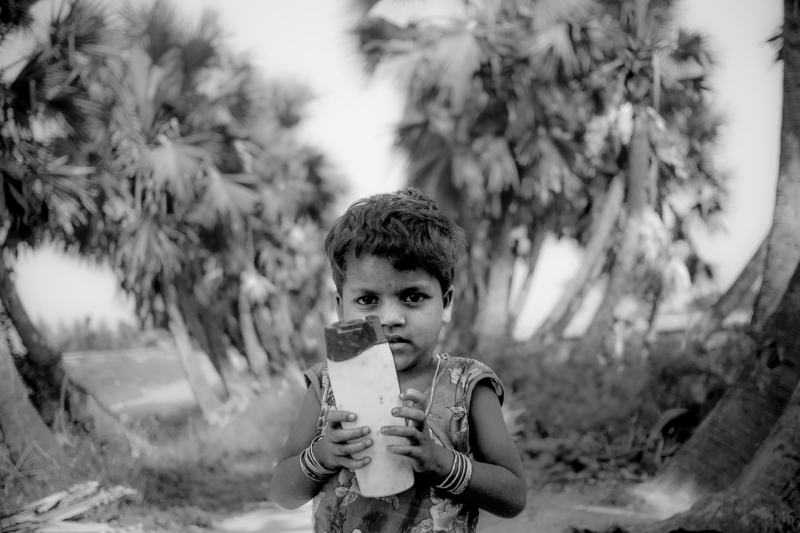 0006_zoriah_photojournalist_war_photographer_childrens_favorite_toys_poverty_child_20150505_4187