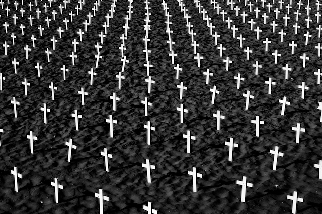 Zoriah_iraq_memorial_crosses