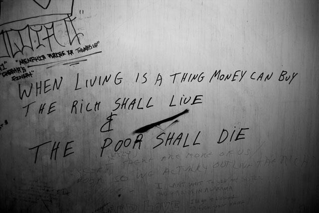 Zoriah_iraq_war_diary_graffiti_toil