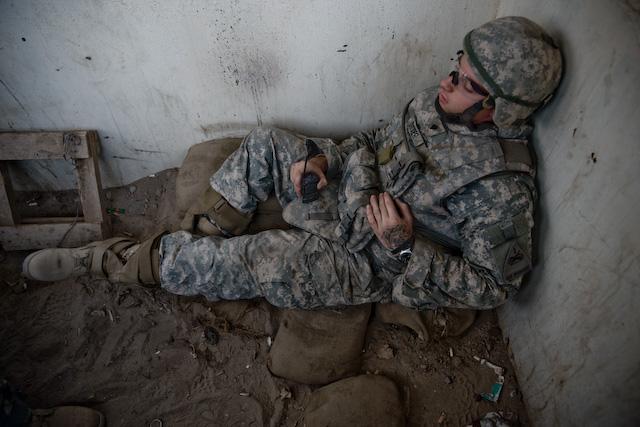 Un militaire simagine enculer son collgue